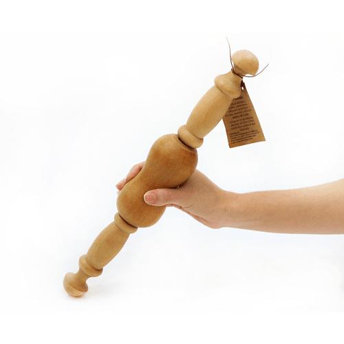 massageador-em-madeira-carretel-mao-1